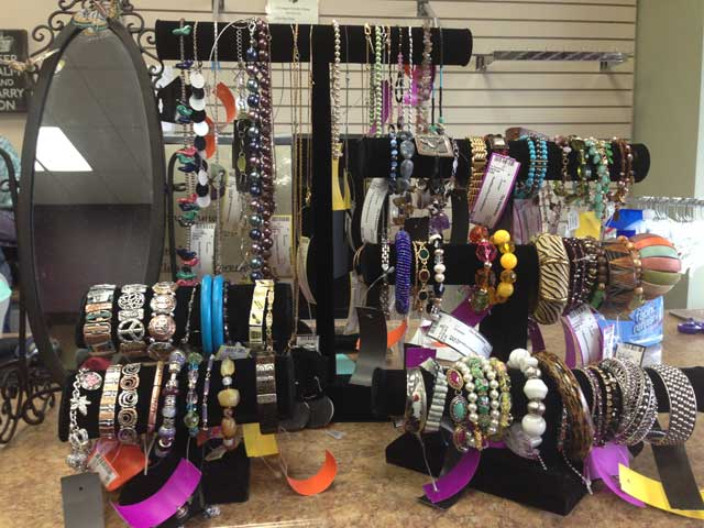 Great jewelry and accessories